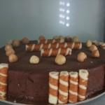 Torta gelato, cioccolato speziato e nocciola
