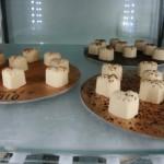 Cuoricini alla vaniglia con pioggia di cacao